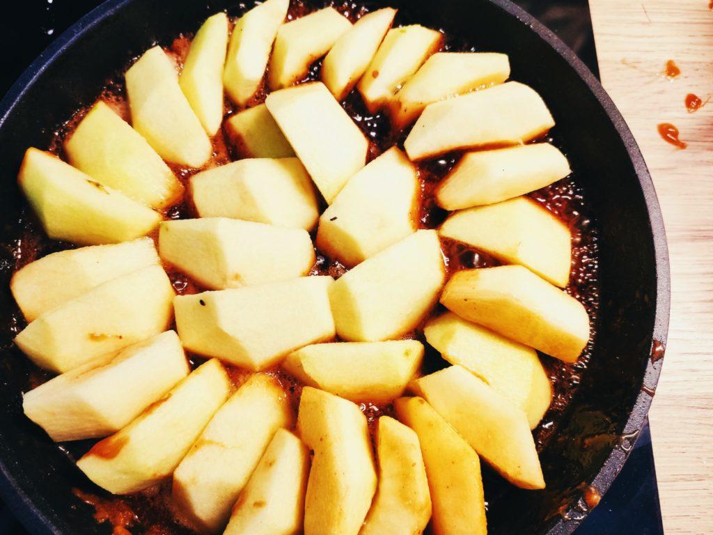 Яблоки в тарте татен